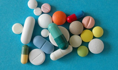 iStock_Swallowing-pills