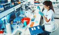 Scientist working in the lab