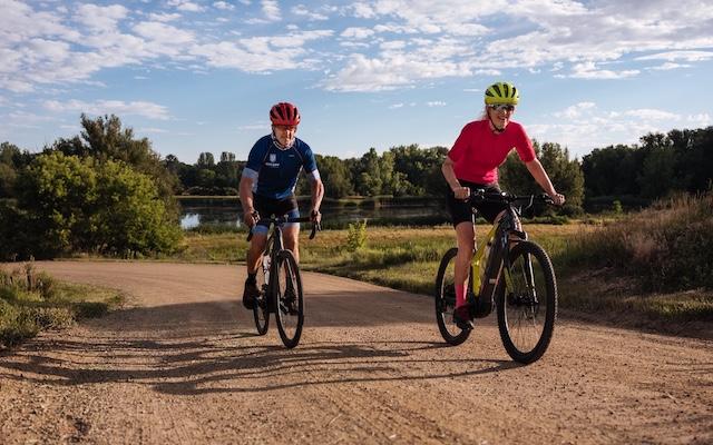Davis Phinney rides a bike