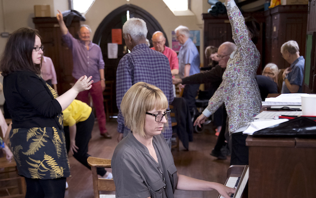 Amy Mallett and Nicola Wydenbach leading an opera workshop in London